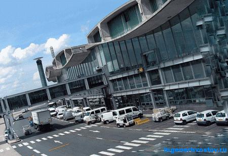 Аэропорт в честь президента Франции Шарля де Голля