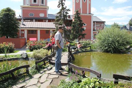 двор свято троицкого собора в саратове