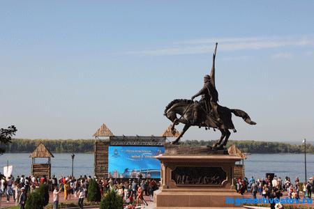 Памятник Засекину в Самаре