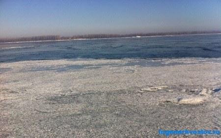 В Самаре ледоход на реке Волга