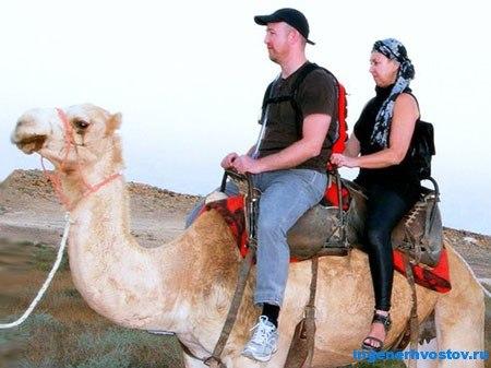 Сергей Ратнер на верблюде