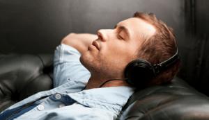Как слушать музыку в ВК не заходя в него?