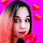 Ананастенька снимает розыгрыши на Youtube