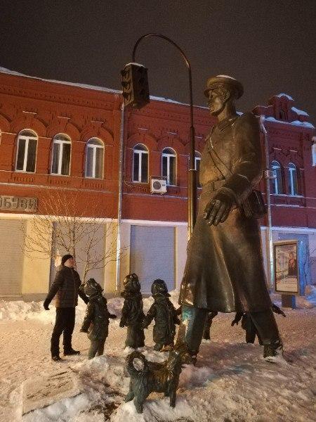 Памятник дяде Стёпы в Самаре, зима 2019