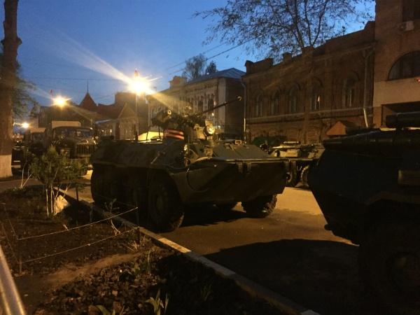 Военная техника перед днём парада