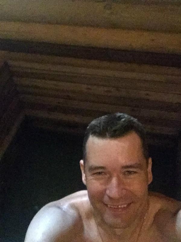В купальне заволжского мужского монастыря