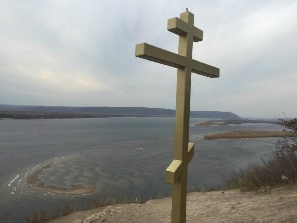 крест на Лысой горе