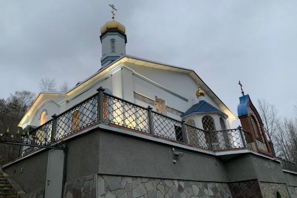 Храм под Царевом курганом с Волги-7