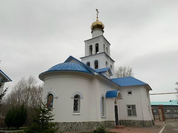 Храм под Царевом курганом с Волги-9