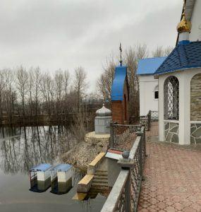 Храм под Царевом курганом с Волги-5