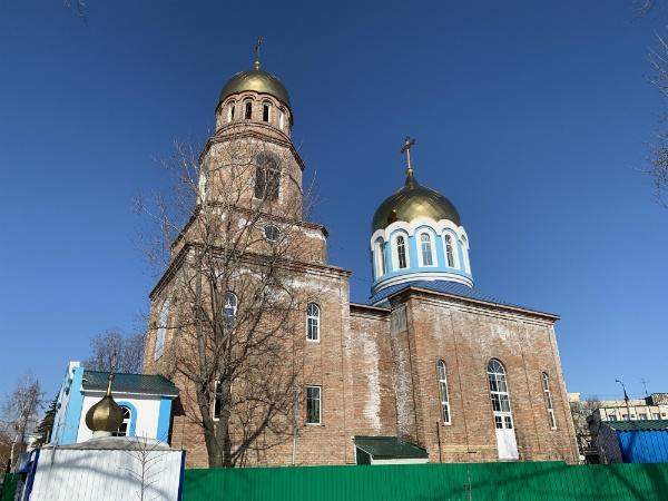 Около завода Металлург церковь, Самара