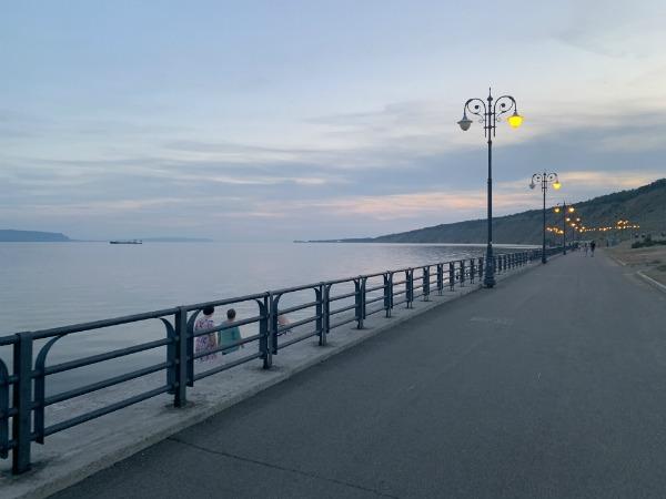 на набережной Тольятти