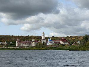 Винновка, мужской монастырь