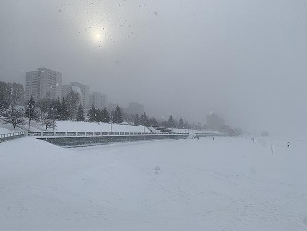 Снегопад на набережной Самары